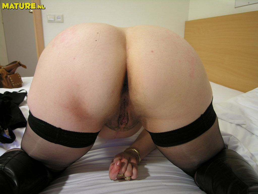 plump mature bitch demonstrating all her stuff