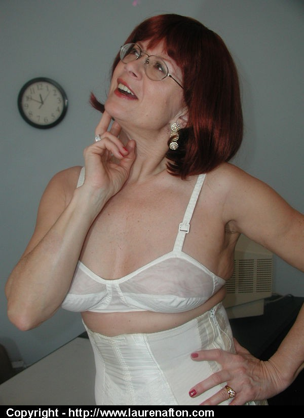 Mature Girdle Glamour